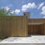 บ้านกลางเมืองญี่ปุ่น ออกแบบด้วยไม้แนวโมเดิร์น ซ่อนความงามภายในอย่างเป็นเอกลักษณ์