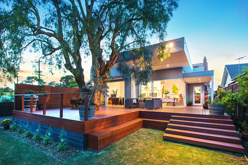 one storey contemporary cottage house with modern interior (2)