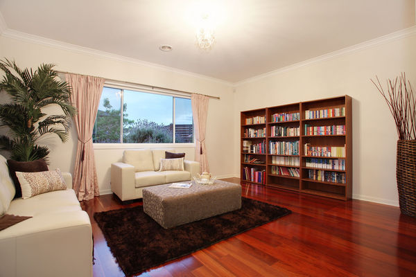 one storey contemporary resident for family (6)