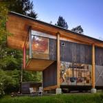 บ้านรีไซเคิล ที่สร้างจากวัสดุเหลือใช้ บนแนวคิดอนุรักษ์ธรรมชาติและชีวิตยั่งยืน