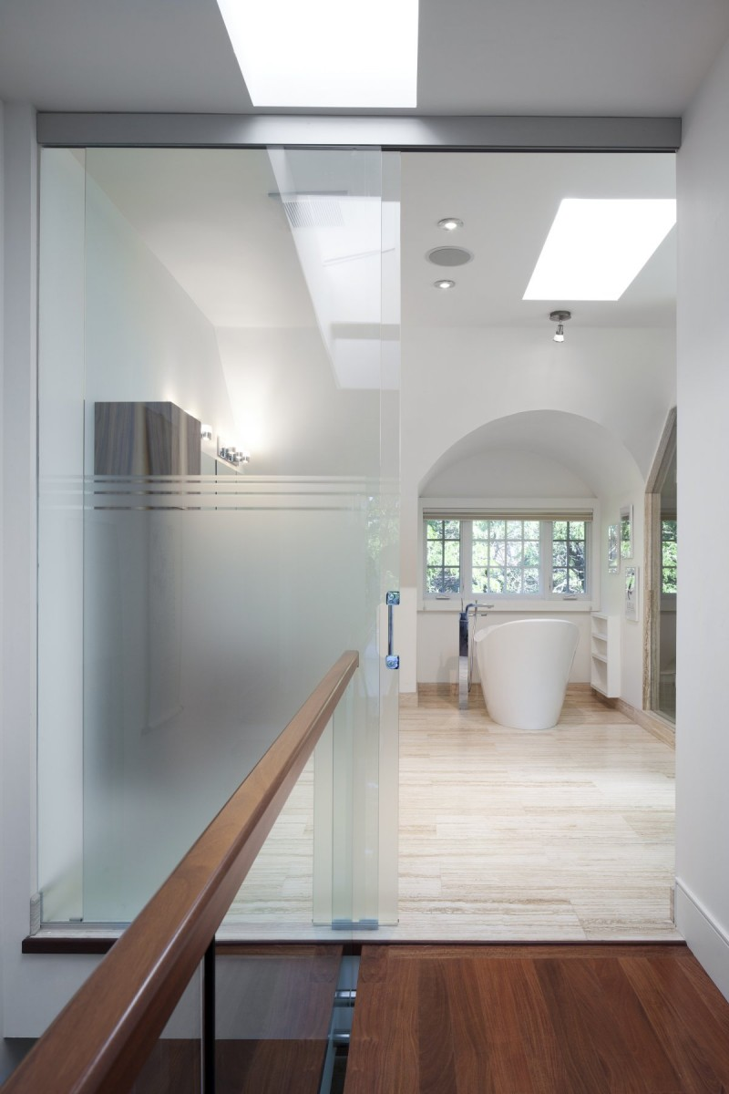 renovate old colonial townhouse to modern loft (11)