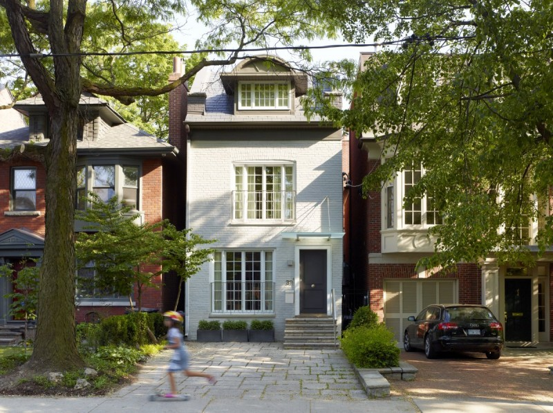 renovate old colonial townhouse to modern loft (13)