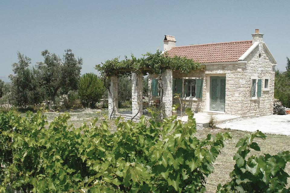 renovate old stone cottage to contemporary house (3)