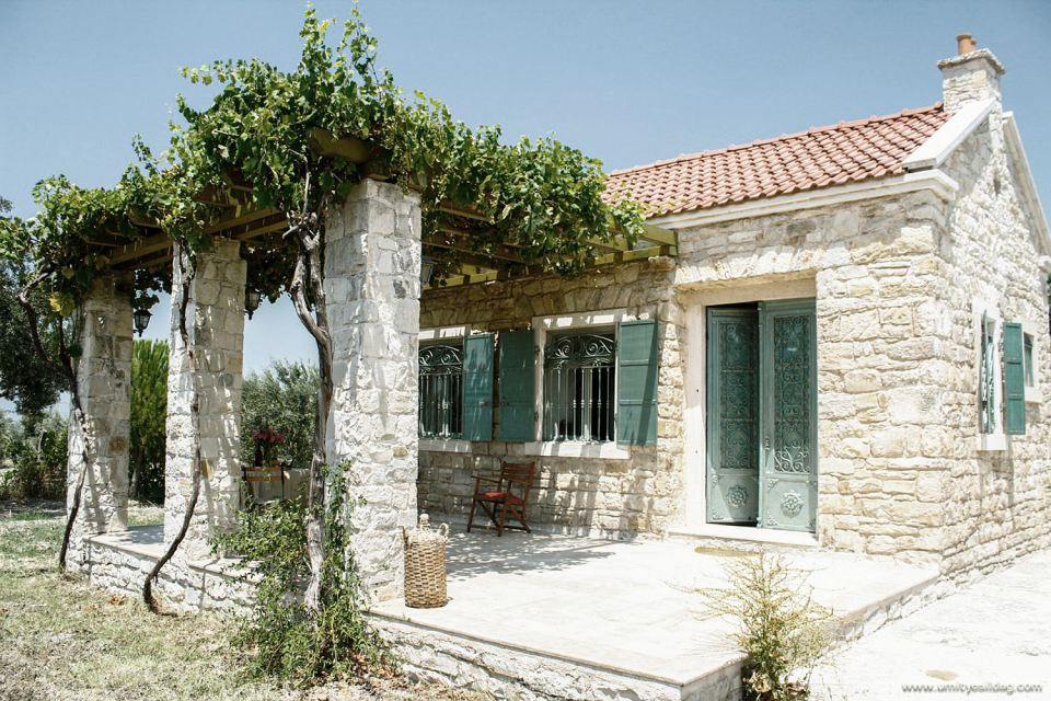 renovate old stone cottage to contemporary house (5)
