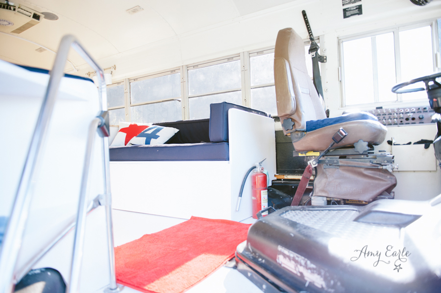 renovate school bus to blue house modern compact (3)