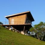 แบบบ้านพักตากอากาศ สร้างด้วยไม้ทรงเพิงหมาแหงน ออกแบบเรียบง่ายดูน่าอยู่