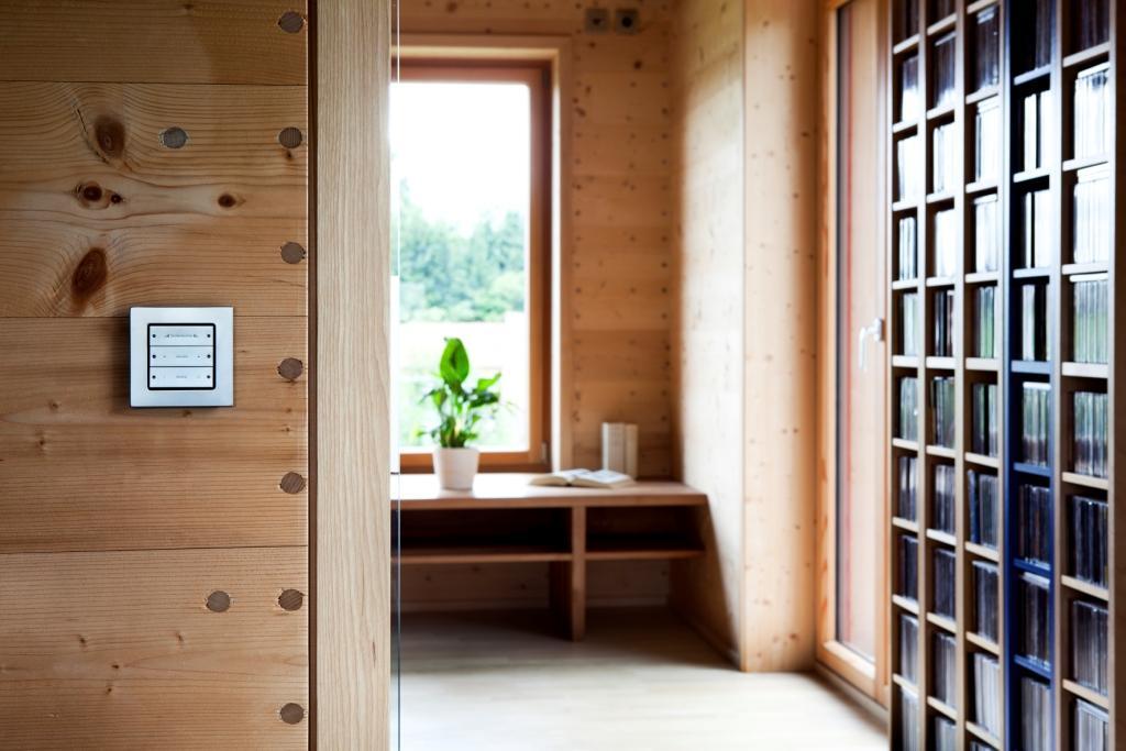 solar power modern house compact wood (10)