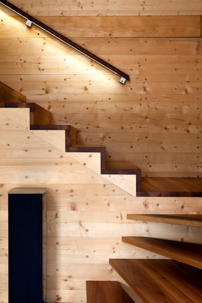 solar power modern house compact wood (16)