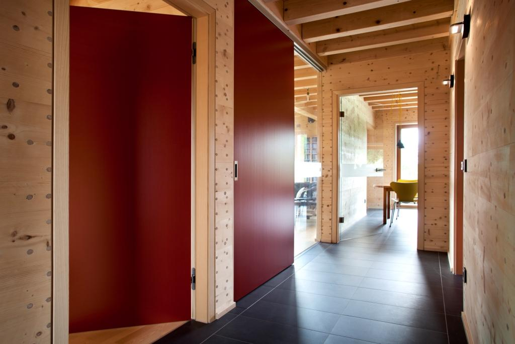 solar power modern house compact wood (8)
