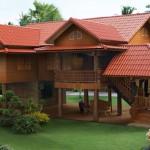 บ้านไม้ใต้ถุนแบบไทยประยุกต์ ตอบรับกับชีวิตสมัยใหม่ ในรูปแบบความงามเป็นเอกลักษณ์