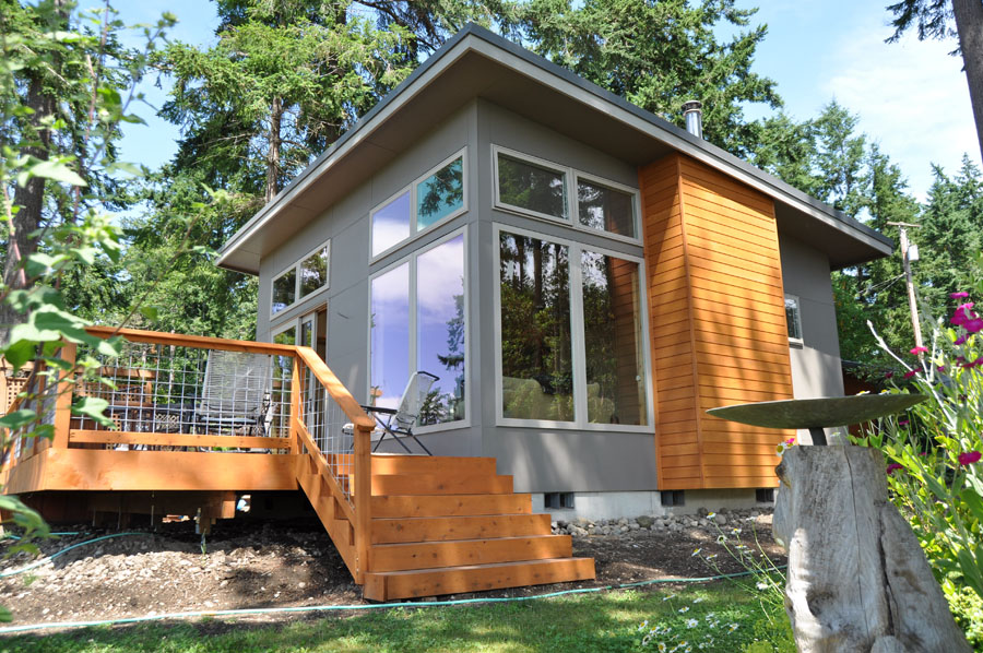 tiny compact house for single lifestyle (1)