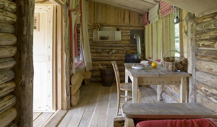 tiny wooden cottage house (2)
