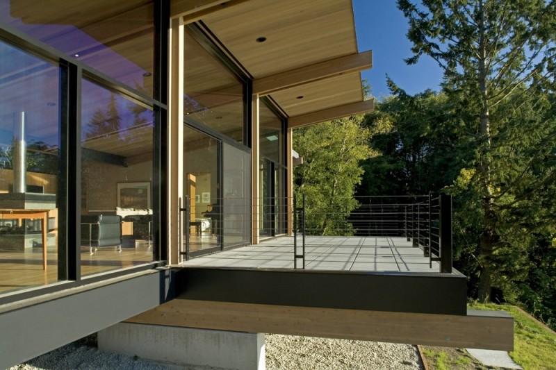 vacation house glass wall in washington usa (4)