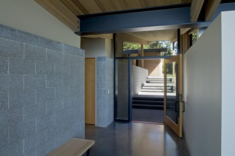 vacation house glass wall in washington usa (9)