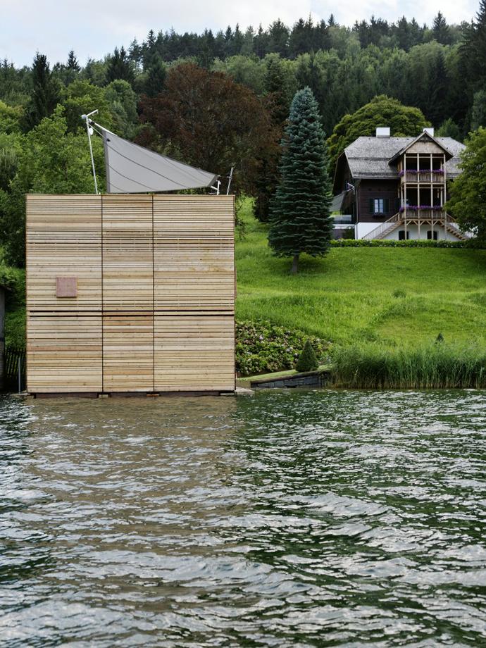 wooden modern boathouse in austria (4)