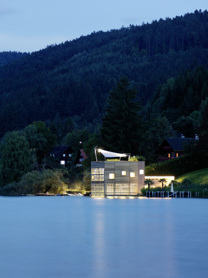 wooden modern boathouse in austria (8)