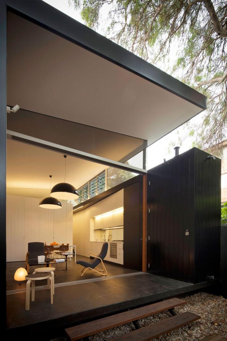 Haines-House-01-1-733x1100
