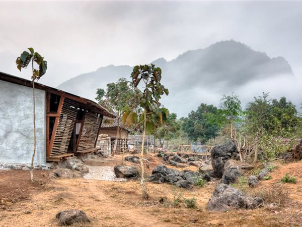 TYIN-Bamboo-Library-And-Bath-House-Thailand-Tak-1 (1)
