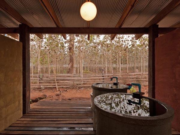 TYIN-Bamboo-Library-And-Bath-House-Thailand-Tak-1 (10)