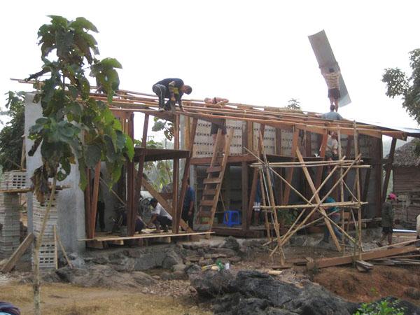 TYIN-Bamboo-Library-And-Bath-House-Thailand-Tak-1 (4)