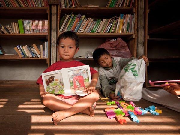 TYIN-Bamboo-Library-And-Bath-House-Thailand-Tak-1 (5)
