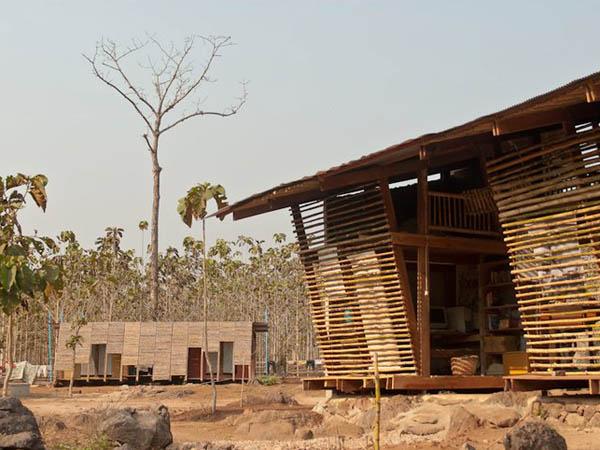 TYIN-Bamboo-Library-And-Bath-House-Thailand-Tak-1 (7)