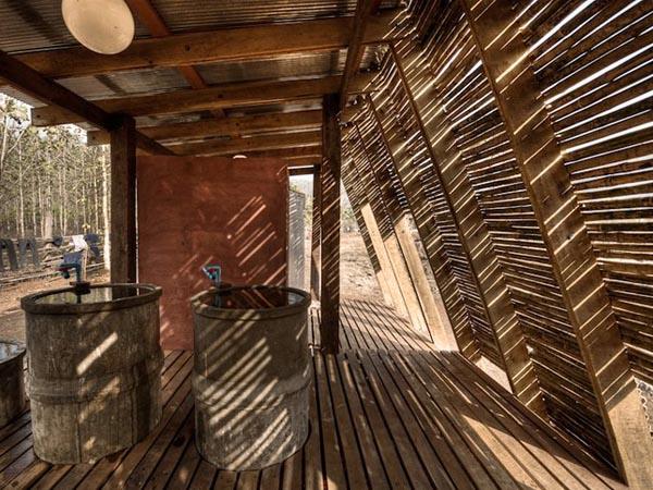 TYIN-Bamboo-Library-And-Bath-House-Thailand-Tak-1 (9)