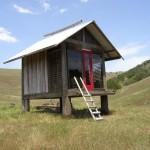 แบบบ้าน(กระต๊อบ) ขนาดเล็กออกแบบยกพื้นเป็นใต้ถุน สร้างจากวัสดุท้องถิ่น ตกแต่งน่ารักๆ