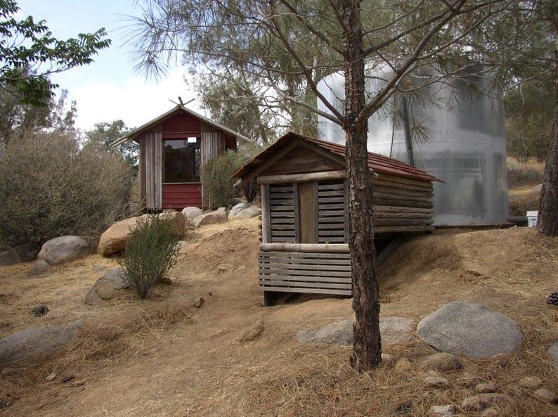 california-sleeping-cabin-12