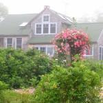 บ้านสไตล์คอทเทจคันทรี ออกแบบเรียบง่ายในรูปแบบชีวิตแสนสงบ รายล้อมด้วยธรรมชาติ
