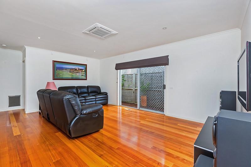 contemporary three bedrooms house idea (3)