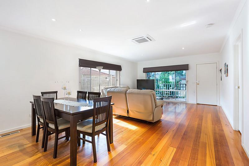 contemporary three bedrooms house idea (4)