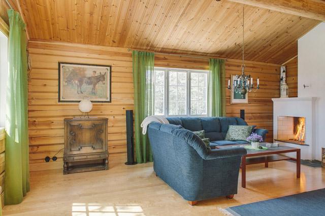 cottage eco wooden log house in sweden (12)