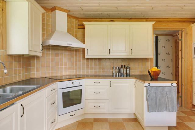 cottage eco wooden log house in sweden (2)