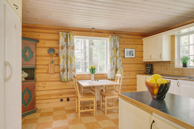 cottage eco wooden log house in sweden (21)