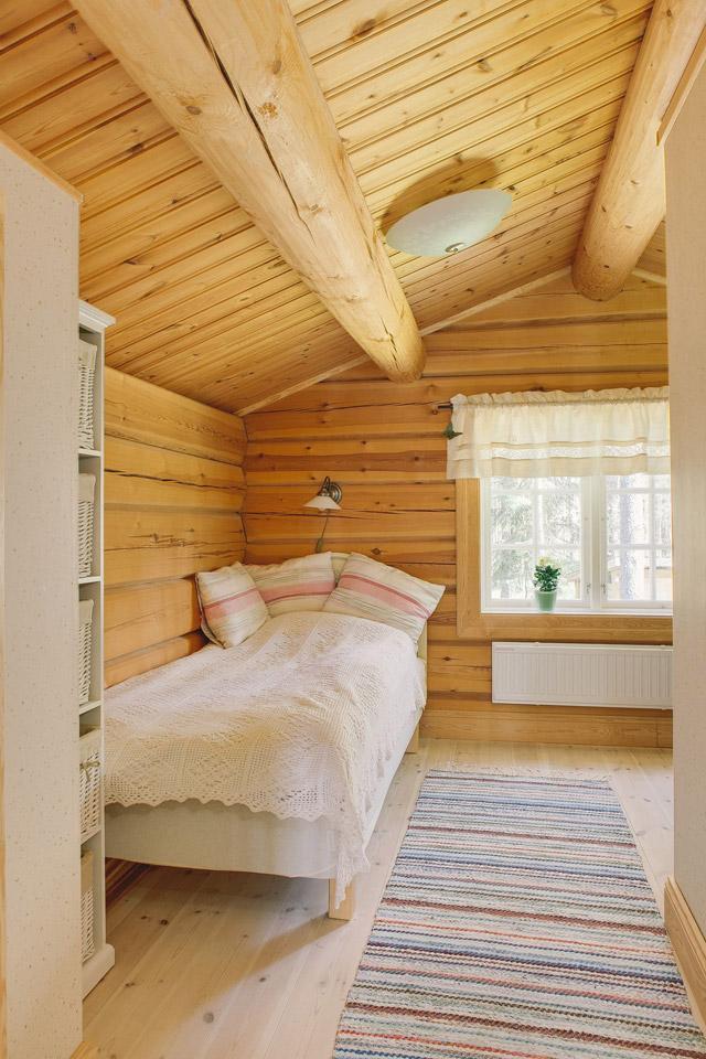 cottage eco wooden log house in sweden (26)