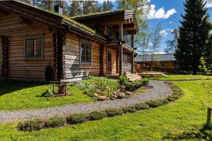 cottage eco wooden log house in sweden (29)