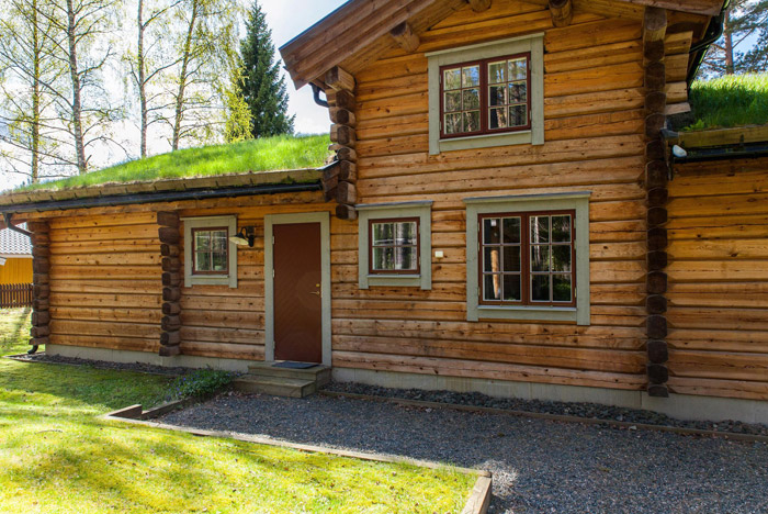 cottage eco wooden log house in sweden (30)