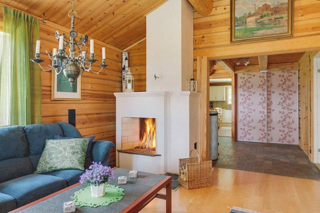cottage eco wooden log house in sweden (4)
