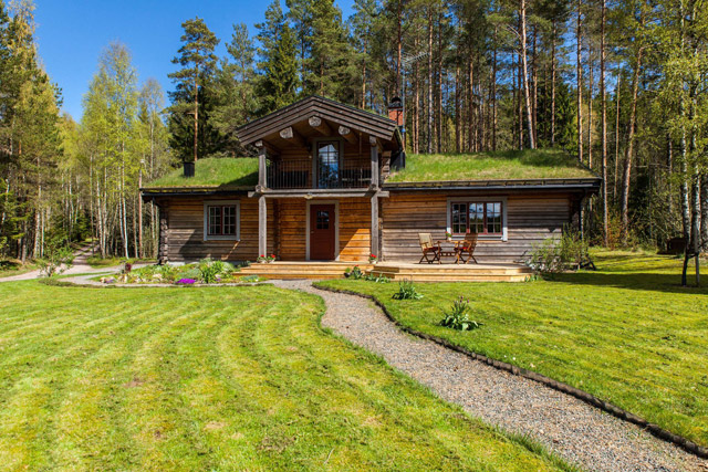 cottage eco wooden log house in sweden (7)