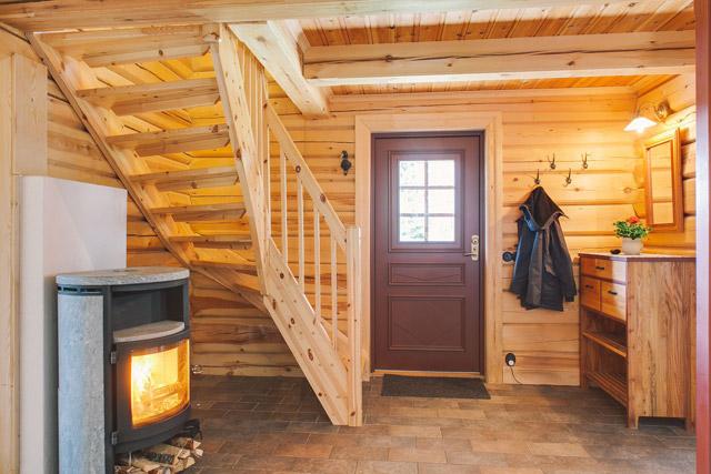 cottage eco wooden log house in sweden (8)