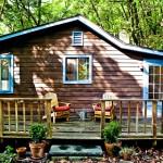 บ้านกระท่อมไม้ในบรรยากาศธรรมชาติ สร้างอยู่บนไหล่เขา ชีวิตแสนสงบสบายใจ