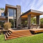 บ้านสองชั้นแบบโมเดิร์น ด้วยโทนสีแนวเข้มขรึม กับการตกแต่งภายในรู้สึกอบอุ่น