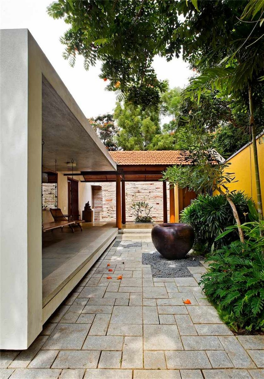 library house modern contemporary tropical in india (8)