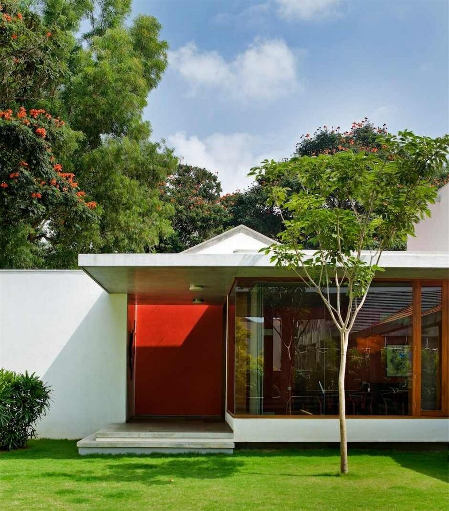 library house modern contemporary tropical in india (9)