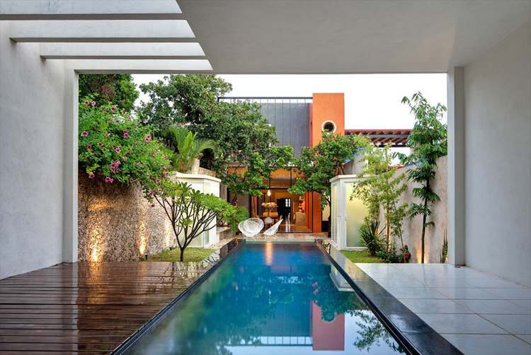 modern contemporary retro style house with garden and pool (10)
