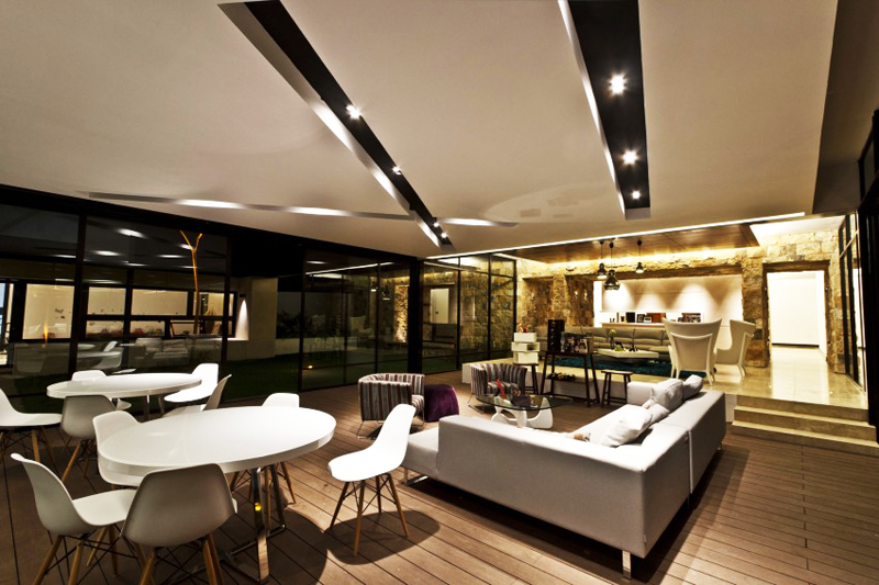 modern house 300 sq mt space in mexico (1)