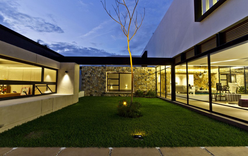 modern house 300 sq mt space in mexico (17)