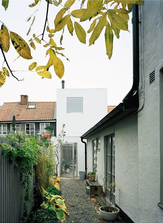 modern house idea townhouse with small office space in sweden (12)