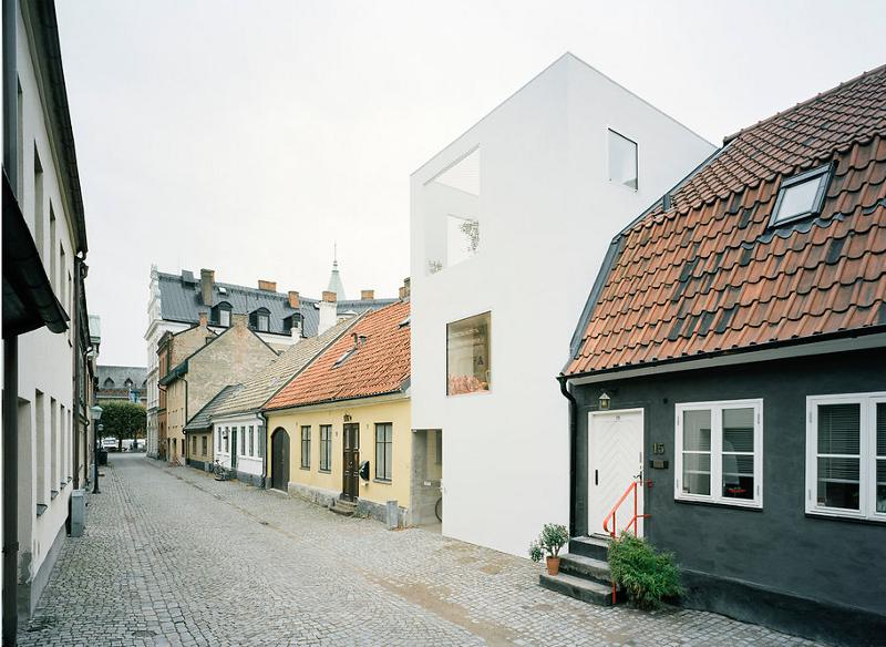 modern house idea townhouse with small office space in sweden (2)